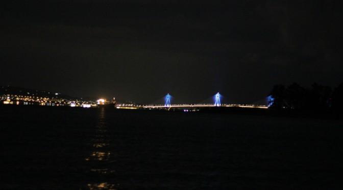 Brücke Rio Antirrio bei Nacht
