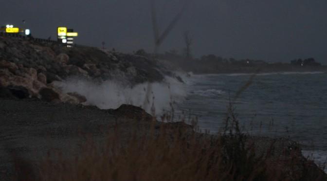 Wellen am Strand vor Amantea