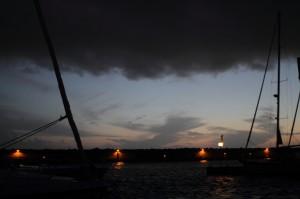 Abendstimmung im Hafen von Rom mit Gewitterwolken CC BY-NC-SA 4.0 Ulrike & Stefan Engeln