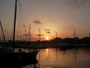 Hafen von Aguilas in der Abenddämmerung