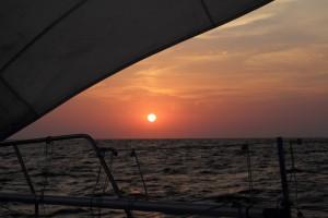 THO kokkino mit Sonnenuntergang