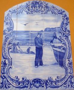 Azulejo Fischer am Strand von Nazaré