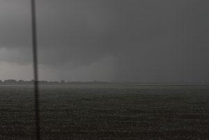 Regenschauer auf der Elbe