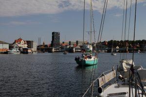 Warten auf die Brückenöffnung in Sonderborg