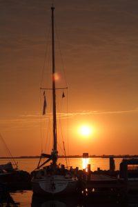 SY Johanne im Sonnenuntergang