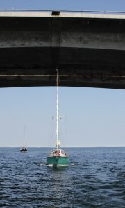 SY Nereide unter der Großen Belt-Brücke